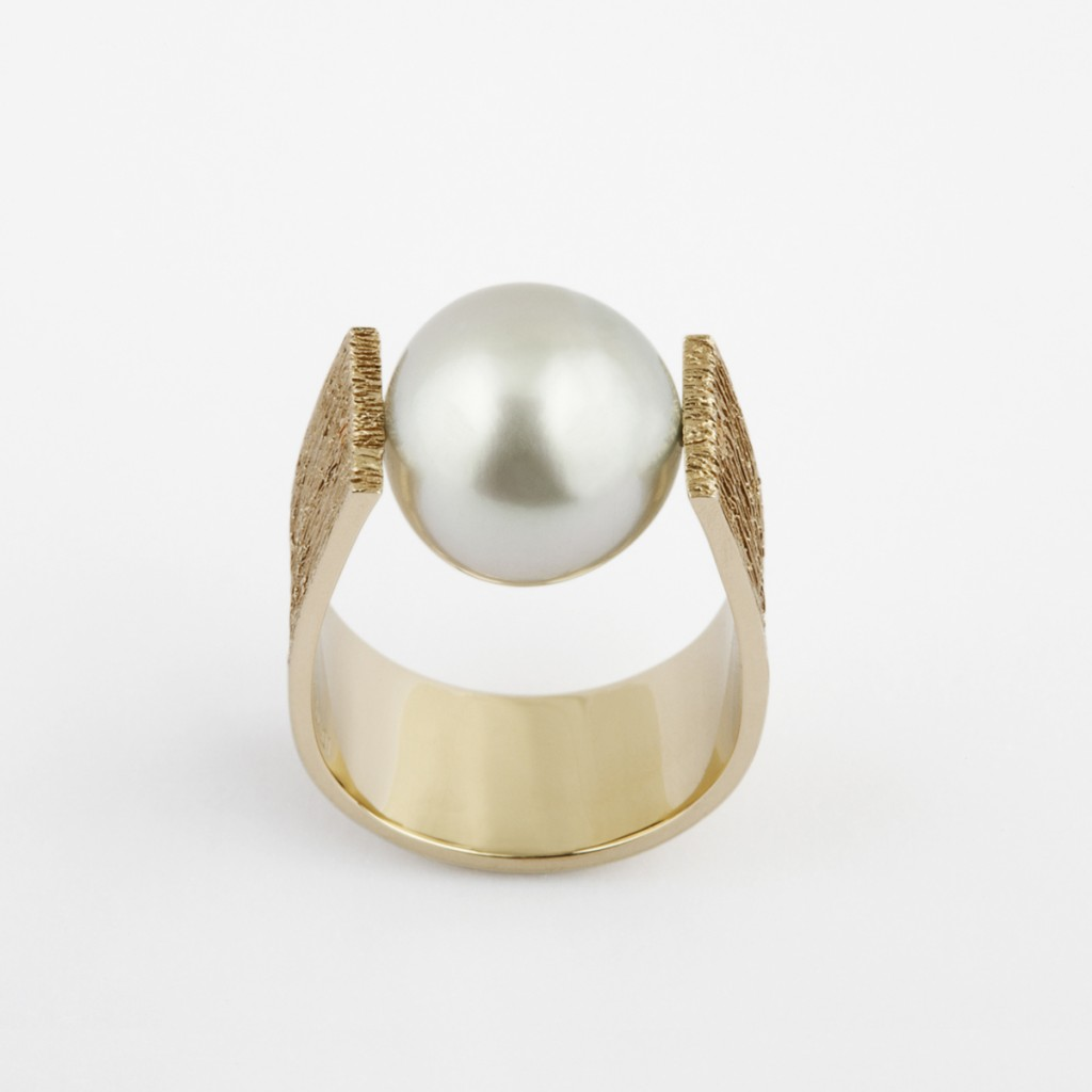 Textured Pearl Ring