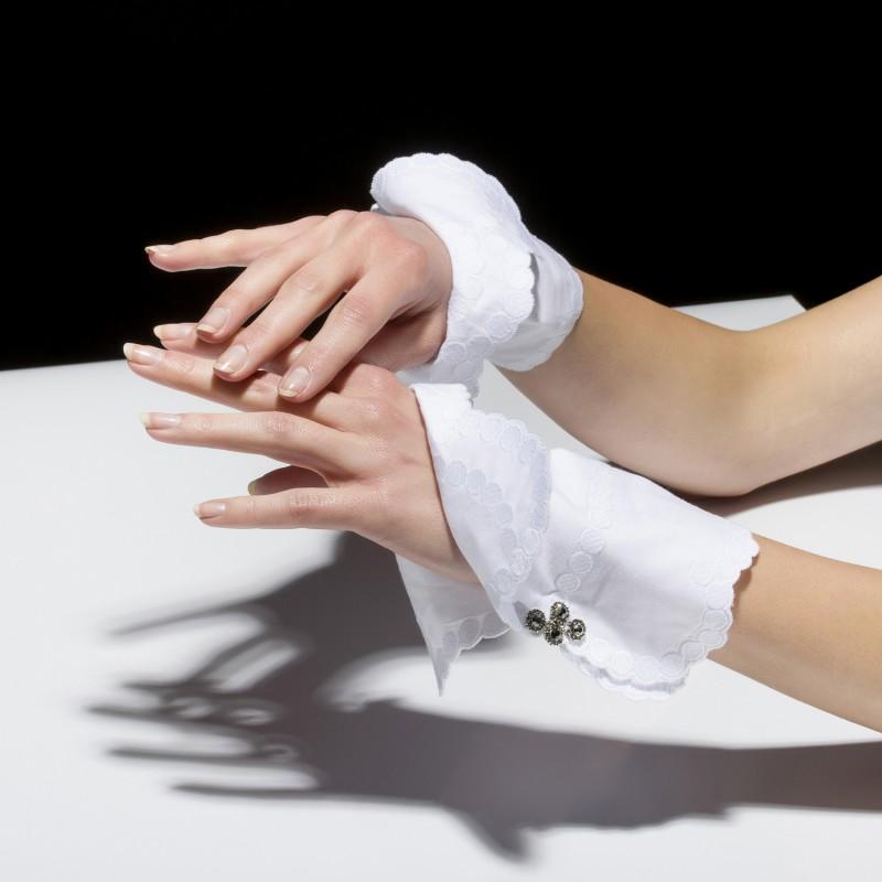 Cuffs Claudine_2.jpg crop