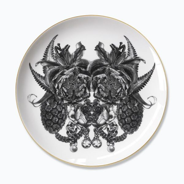 The Karl Mask Plate by Sasha Tugolukova