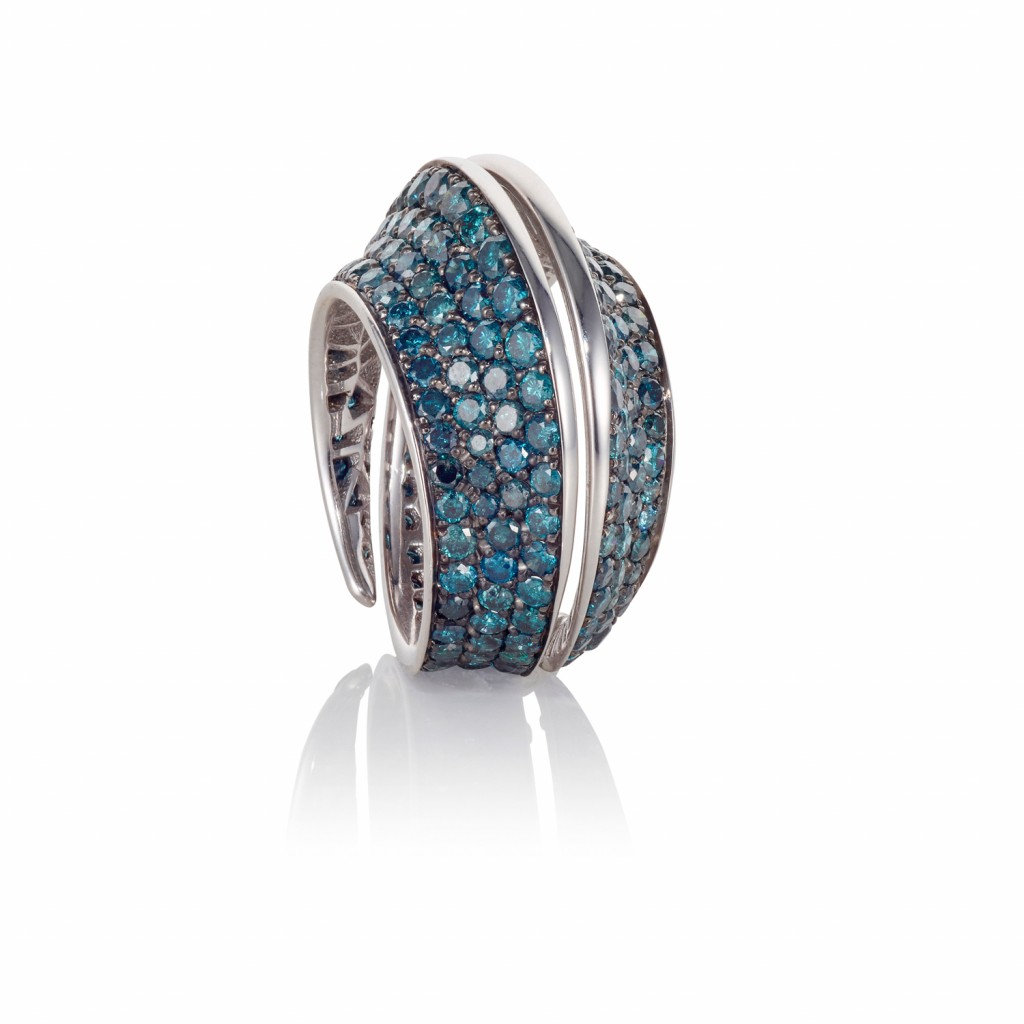 Spira Ring with Blue Diamonds