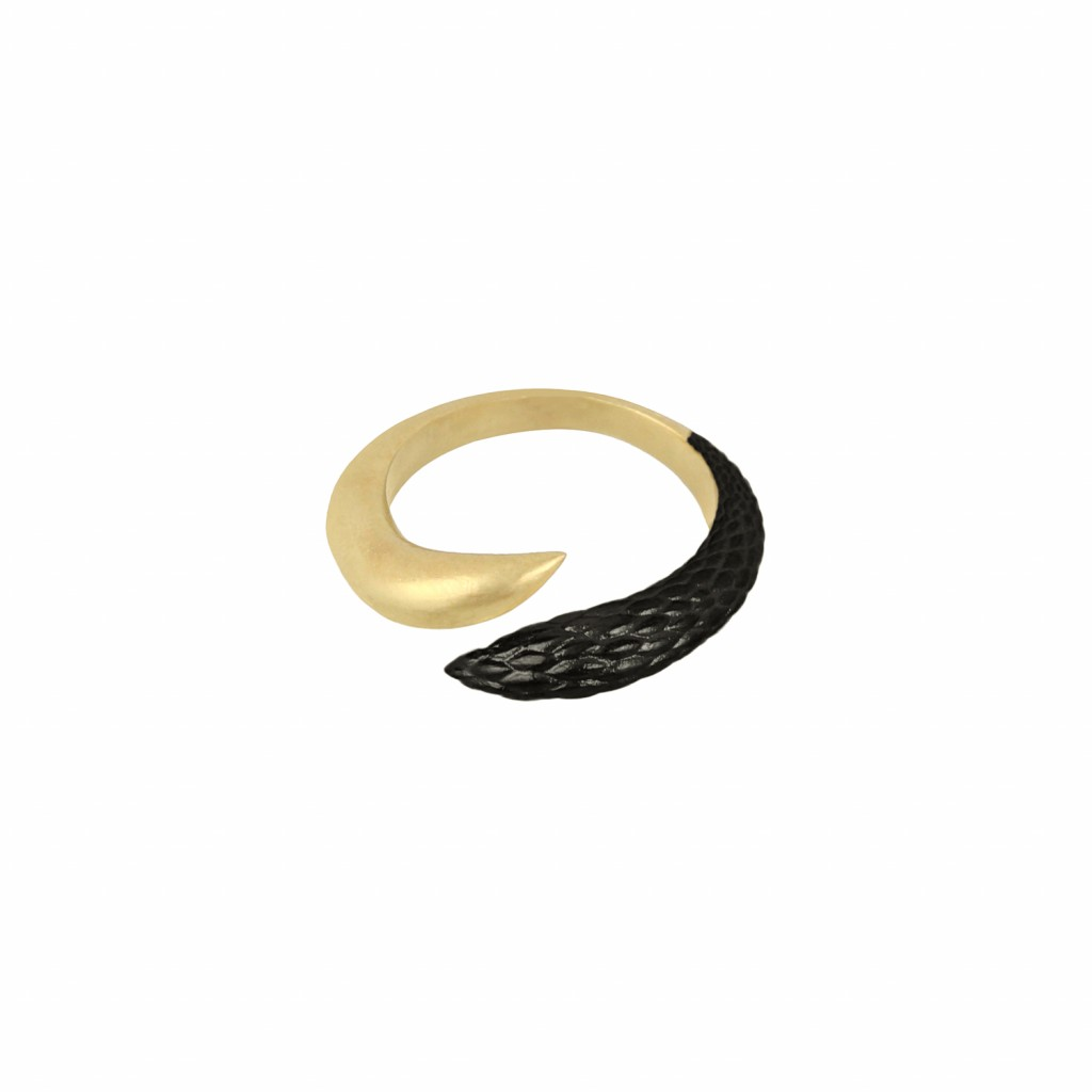 Orpheus & Eurydice Ring in Gold and Black by NIOMO