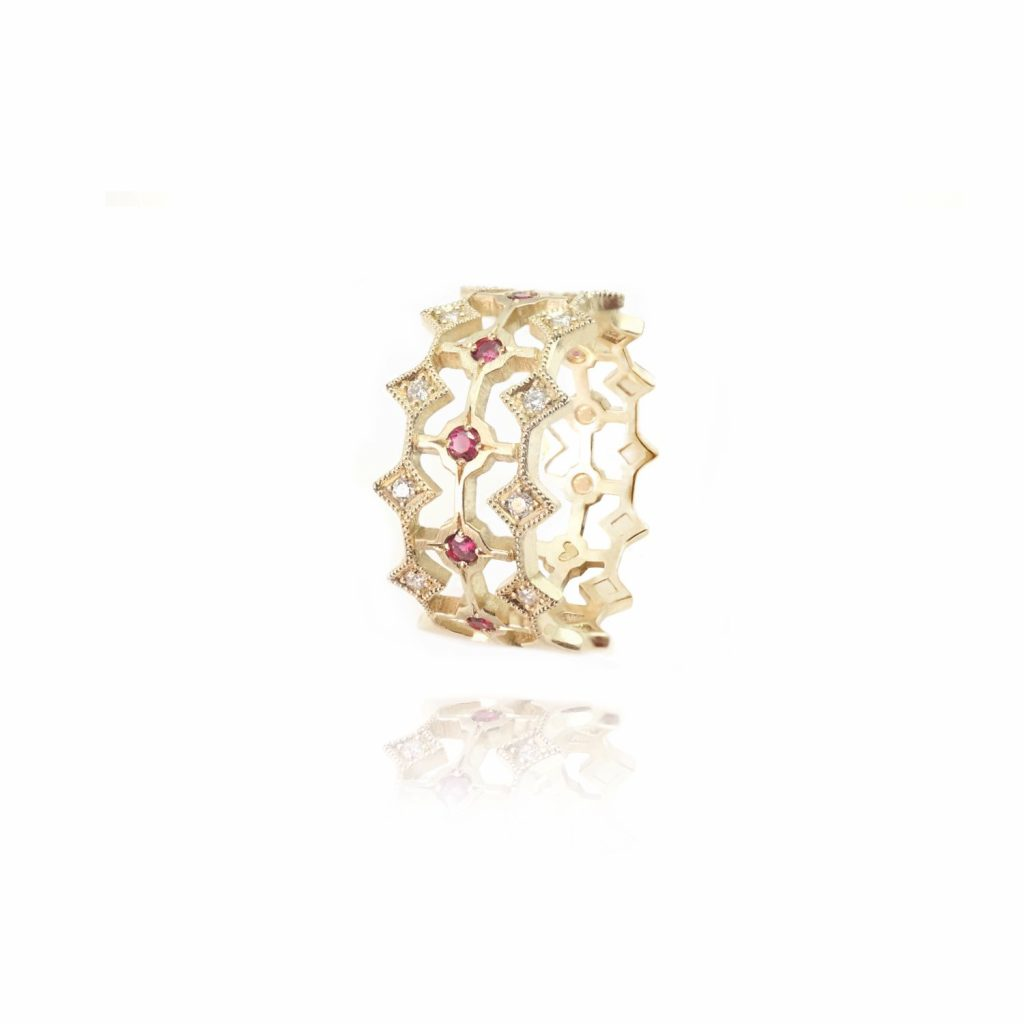 Queen of Hearts Ring by Mocielli