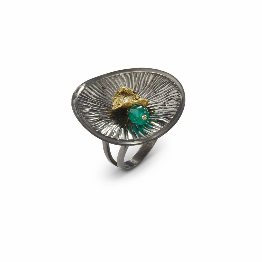 Batea Ring with Emerald by Makal