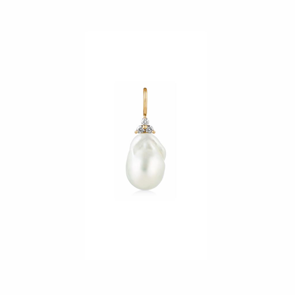 Fryd Baroque Pearl Pendant by Ro Copenhagen